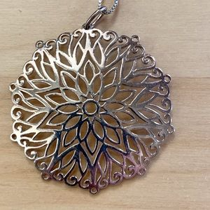 Sterling silver floral openwork pendant and chain